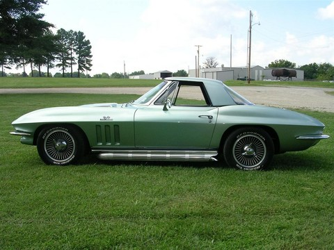 1966 Chevrolet Corvette convertible green svl