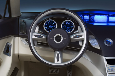Chrysler Nassau concept steering and dash