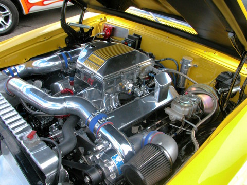 1967 Chevrolet Chevelle Hardtop Twin-Centrifugal Supercharged 427 Engine fvl Yellow (2005 WW@WD PROC) DSCN8308