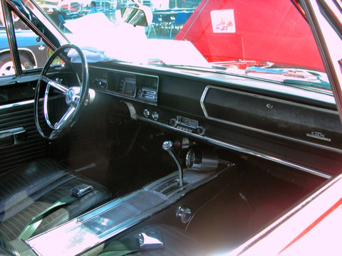 1967 Plymouth Belvedere GTX Hardtop Instrument Panel Bright Red (2005 WW@WD PROC) DSCN7890
