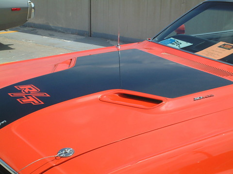 1970 Dodge Challenger R-T 383 Hardtop Hood Scoop & R-T Tape Decal Detail (2004 WW@WD DCTC) F ...