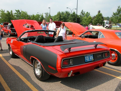 1971 Plymouth Hemi 'Cuda Convertible with Black Shaker Hood Tor-Red