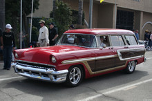 1955 Mercury Monterey woody - mod - red - fvl