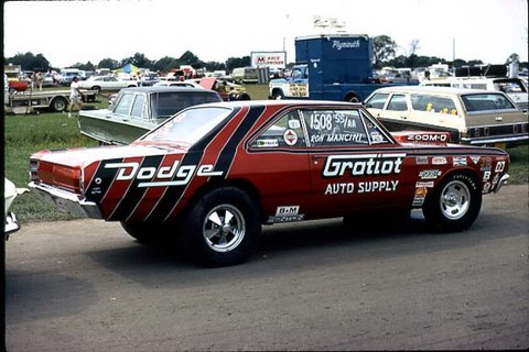 Ron Mancini Gratiot Auto Supply 68 Dodge Dart in staging lanes