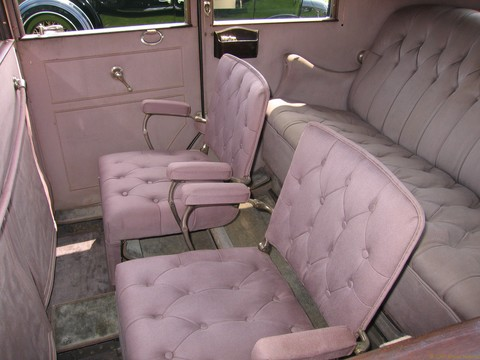 1928 Lincoln L Limo - rear seats