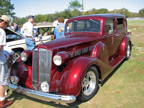 1937-Packard-4Dr-altered-fvl