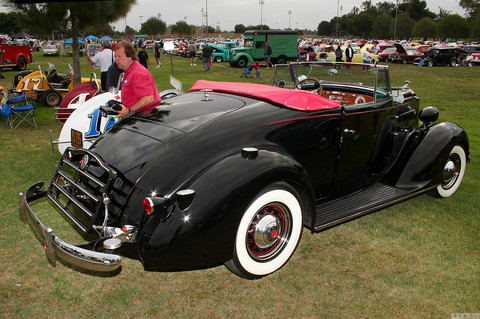 1937 Packard cnv - black - rvr