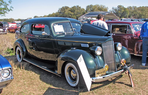 1938-Packard-110-2Dr-altered-fvr