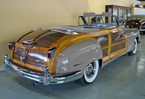 1946-Chrysler-Town-Country-conv-gray-rvr