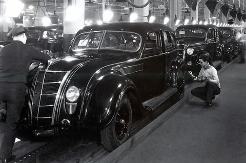 1935 Chrysler Airstream & Airflow Assembly Line f3q BW