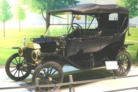 1913 Ford Model T Touring-0011